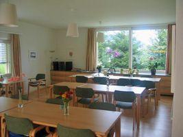 Wohnlicher Ess- und Aufenthaltsraum und gute Küche